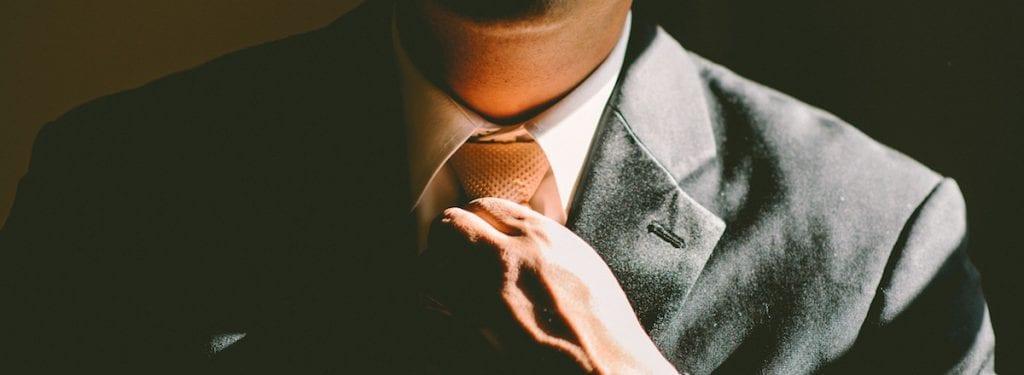 Presentarsi come un professionista è importante, ma non come si crede.